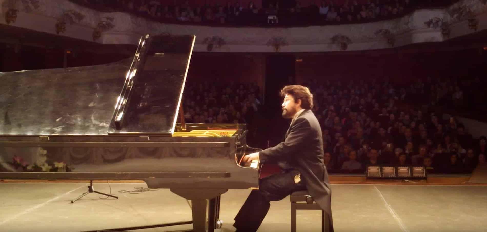 Nicolas Celoro Pianist Booking
